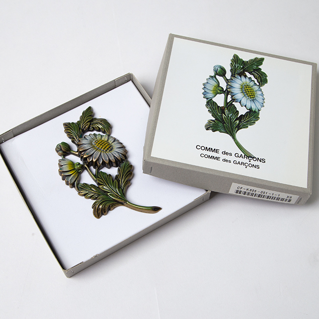 """""""Comme Comme"""" Flower Brooch"""