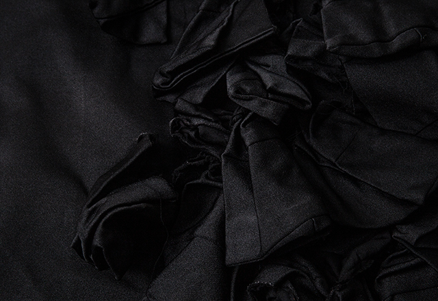 AD2017 COMME des GARCONS Dyed Frill Cloak