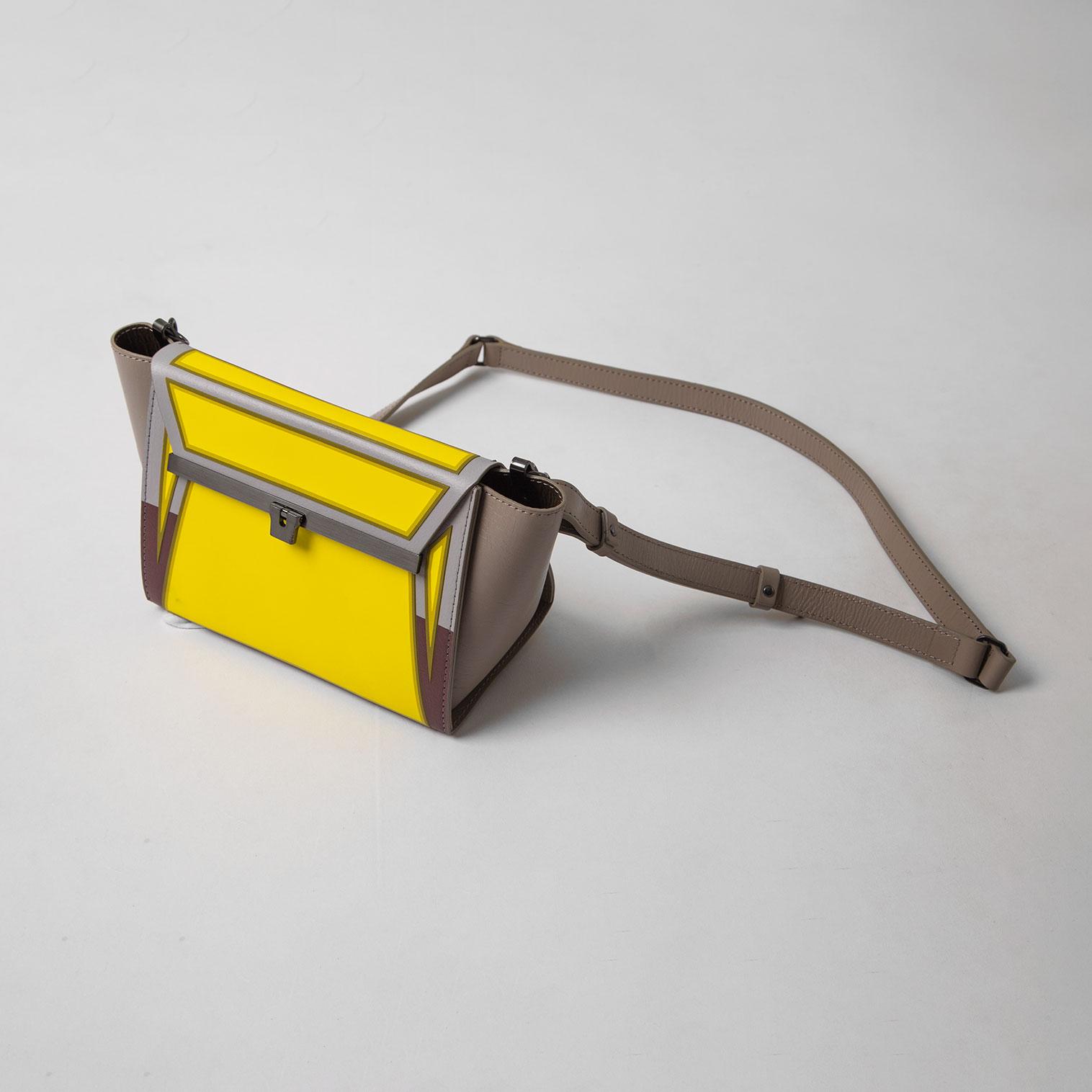 ISSEY MIYAKE GUSTON Shoulder Bag